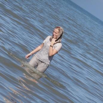 caspian sea mazandaran iran persia hitchhiking swimming hijab head scarf
