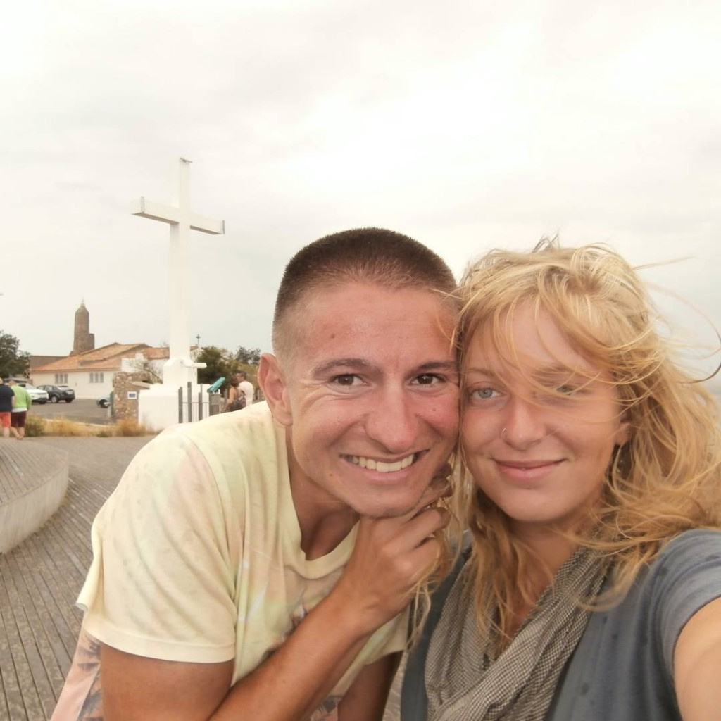 bff friend france hitchhiking solo female travel montpellier