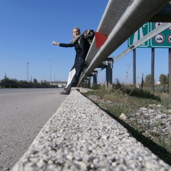 hitchhiking otostop solo female traveler turkey tips safety