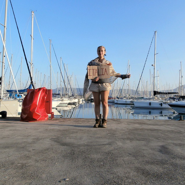 patience hitchhiking frustrations autostop barcastop boathitching greece italy solo woman yachts