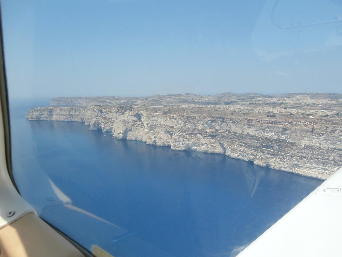 malta airplane hitchhiking gozo view