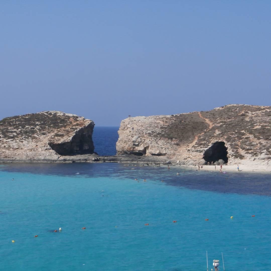 malta gozo comino cominotto blue lagoon hitchhiking camping freecamping wildcamping