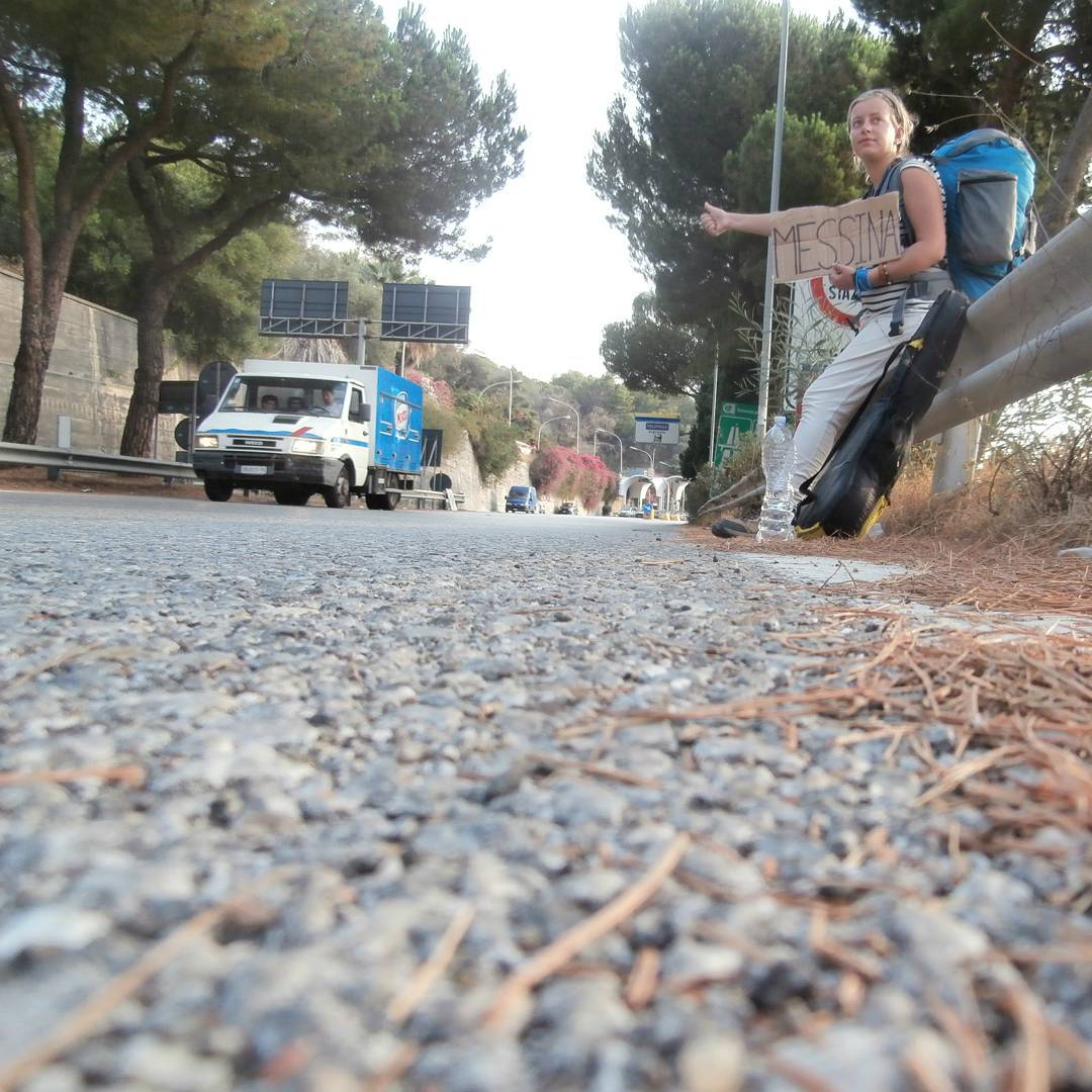 hitchhiking sicily messina solo female travel italy autostop