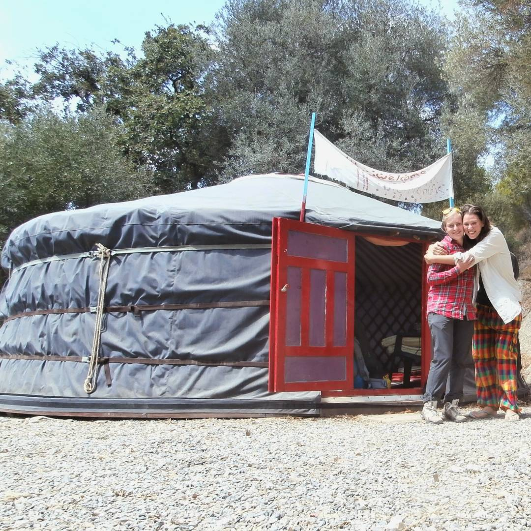yurt-surfing couchsurfing yurt camping freecamping wildcamping camping spain andalucia