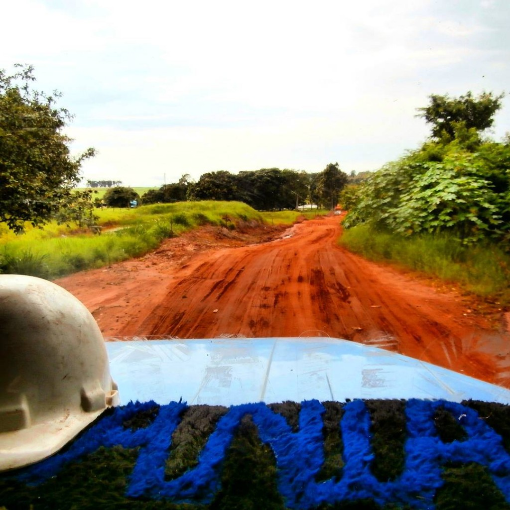 Off-road Carona hitchhiking in Paraná Brazil