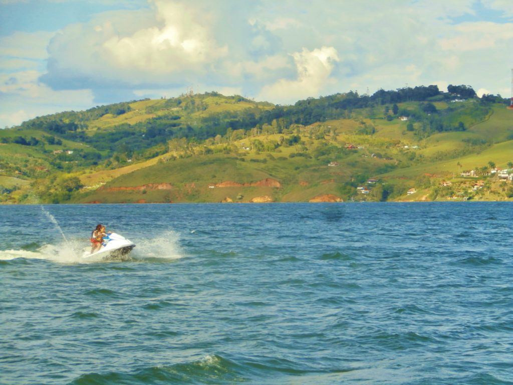kitesurfing south america 3 obscure spots embalse calima colombia darien