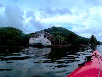 30 kayaking rental shipwreck Colombia Providencia
