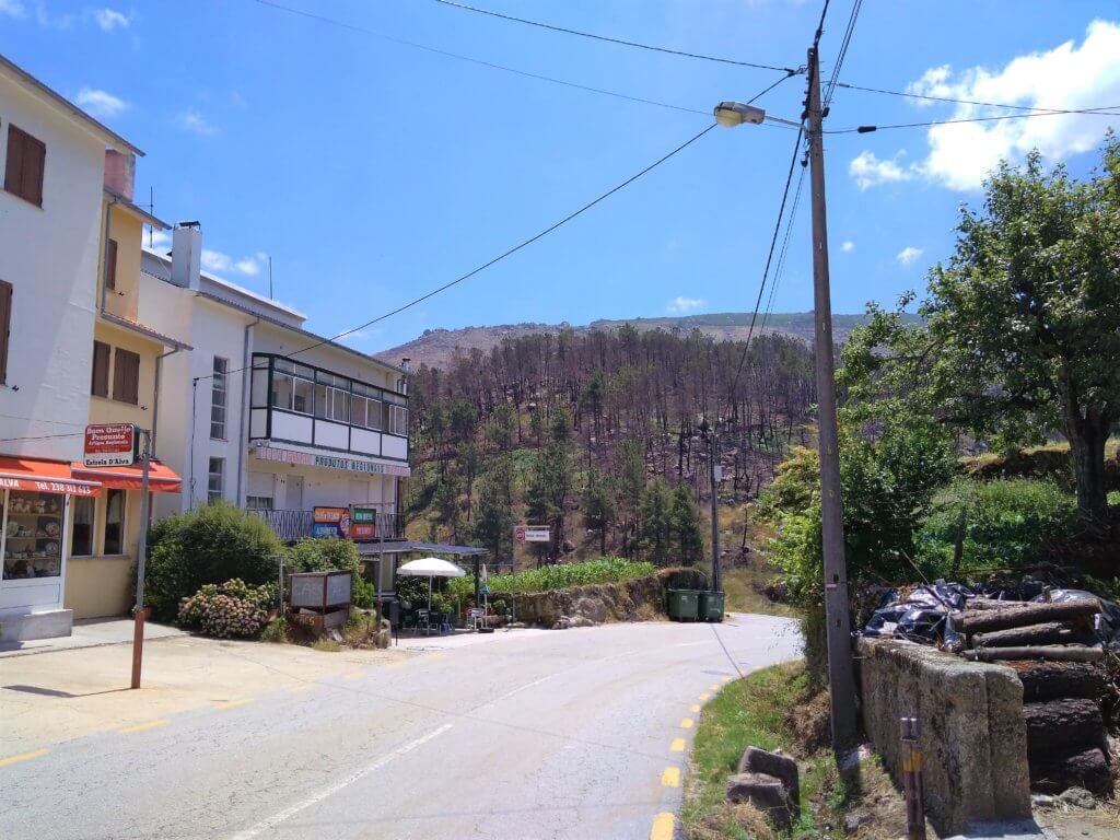 Sabugueiro Serra da Estrela hitchhiking road