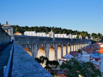 aqueduto aguas livres campolide lisbon portugal