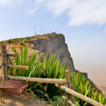 Monte Verde hitchhiking hiking São Vicente Cabo Verde Mindelo