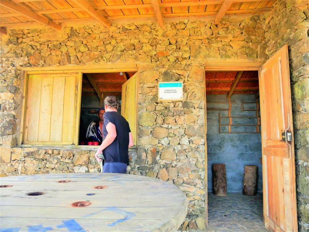 Cabana de chá do monte verde cabo mountain coffee café hiking peak relax view