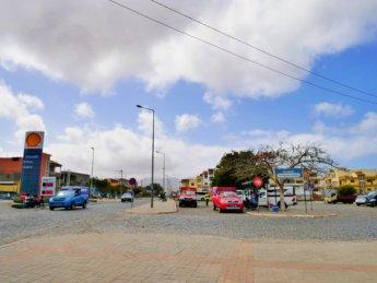 land transportation in cabo verde terminal de transportes publicos public transit Tarrafal de Santiago Praia hilux hiace aluguer