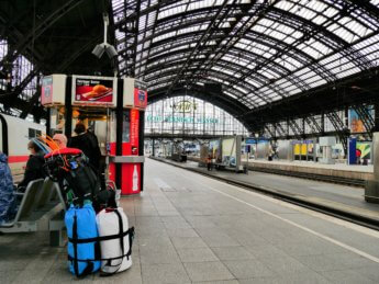 train station köln cologne hauptbahnhof kayak canoe backpack inflatable packable