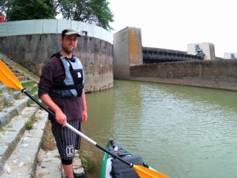 3 Day 13 Ingolstadt to Vohburg kayak canoe lock sluice self-service