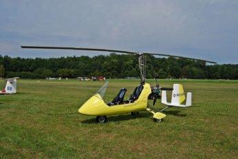 gyrocopter wikipedia Felix König gyroplane autogyro open cockpit helicopter yellow