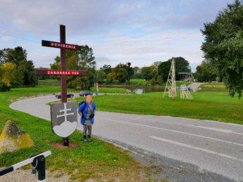 2 Dovidenia sign Záhorská Ves Slovakia border Austria