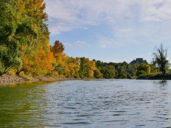 24 Devín castle autumn colors morava river