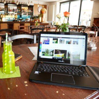 Digital nomad gear laptop asus square