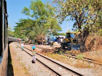 Myanmar train yangon mawlamyine 14