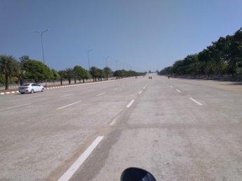 8 lane highway naypyitaw uppatasanti pagoda 2