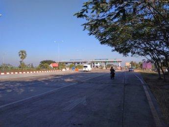 Hitchhiking Naypyitaw to Yangon 4