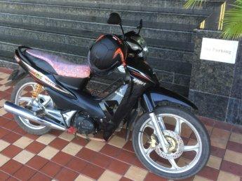 naypyitaw motorbike rental motorcycle myanmar semi-automatic