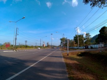 Hitchhiking from Ao Nang to Ranong Thailand 2