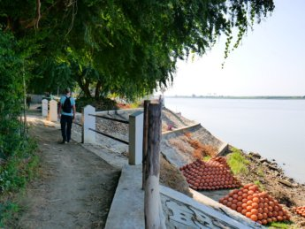 Irrawaddy river cruise mandalay to bagan 20
