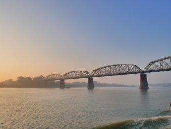 Irrawaddy river cruise mandalay to bagan 9