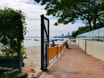 28 may beach walk