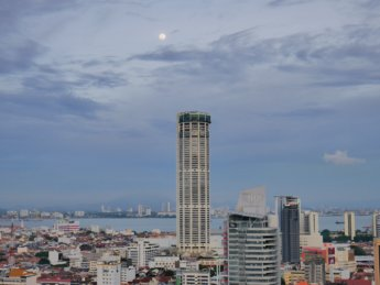 4 JUNE Penang komtar with moon