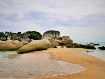 8 pulau tikus island low incoming tide beach kayak
