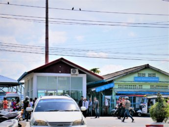 Kawthaung Myanmar to Ranong Thailand border crossing Kraburi Pak Chan river 1