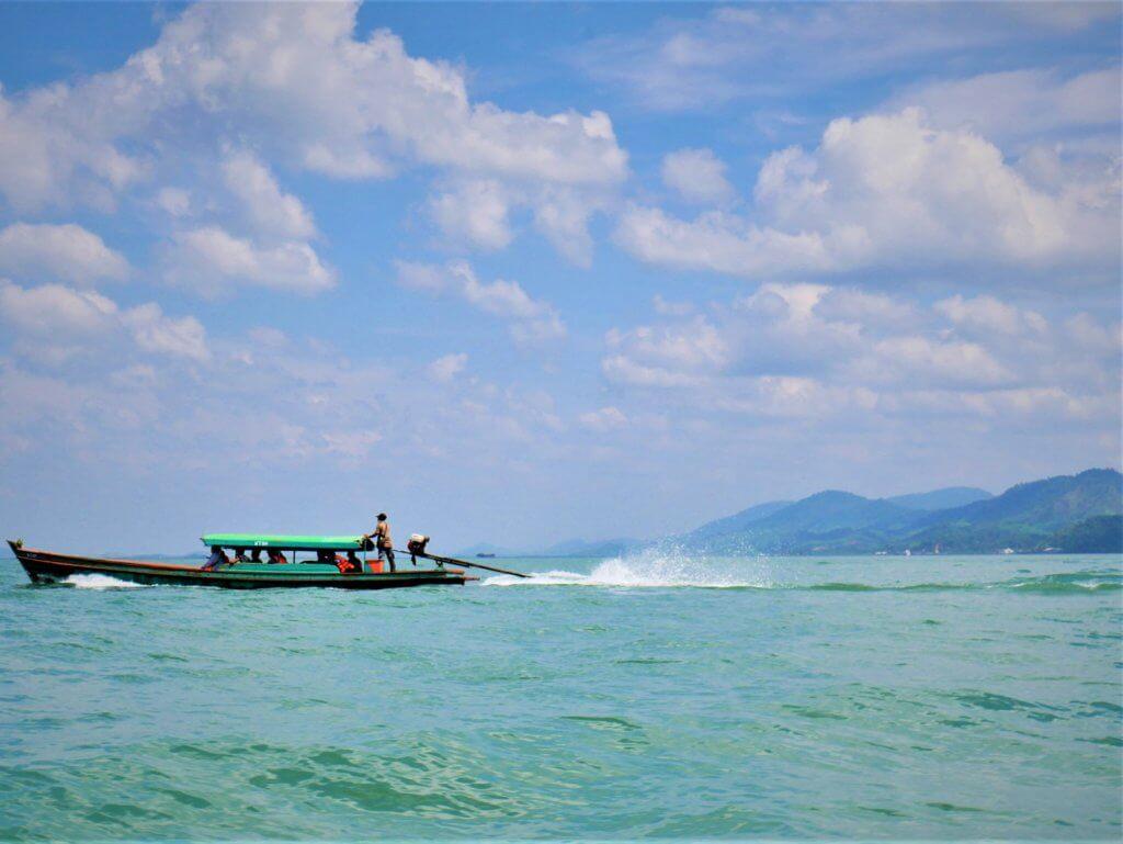 Kawthaung Myanmar to Ranong Thailand border crossing Kraburi Pak Chan river 10