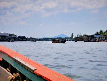 Kawthaung Myanmar to Ranong Thailand border crossing Kraburi Pak Chan river 15
