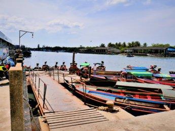 Kawthaung Myanmar to Ranong Thailand border crossing Kraburi Pak Chan river 18