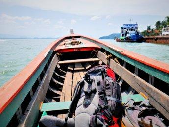 Kawthaung Myanmar to Ranong Thailand border crossing Kraburi Pak Chan river 4