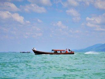 Kawthaung Myanmar to Ranong Thailand border crossing Kraburi Pak Chan river 8