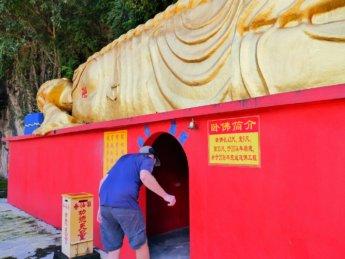 Ling Sen Tong cave temple 2020 Ipoh reclining Buddha
