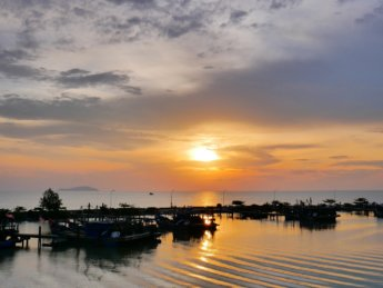 Pontian kecil kechil sunset harbor pulau pisang malaysia 2020