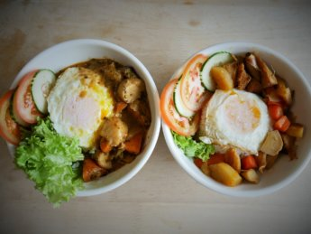 deja vu cafe vegetarian meal delivery food Johor Bahru Malaysia