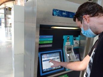 10 Two weeks in Dubai United Arab Emirates UAE Day 4 metro machine ticket
