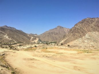12 Al sadah al ridda dam Madha and Nahwa exclave on the Wadi Shis Oman UAE