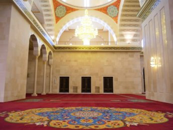 11 Sheikh Zayed Mosque Fujairah arabesque desgin carpet from Belgium