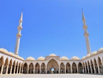 12 courtyard arcade saHn Sheikh Zayed mosque Fujairah UAE