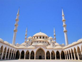 21 Sheikh Zayed Grand Mosque Fujairah main dome minarets ottoman style architecture east coast UAE gulf of oman