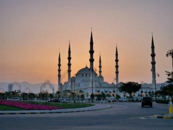 5 sunset at sheikh zayed grand mosque fujairah UAE