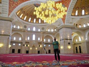 8 Jonas interior sheikh zayed grand mosque giant chandelier