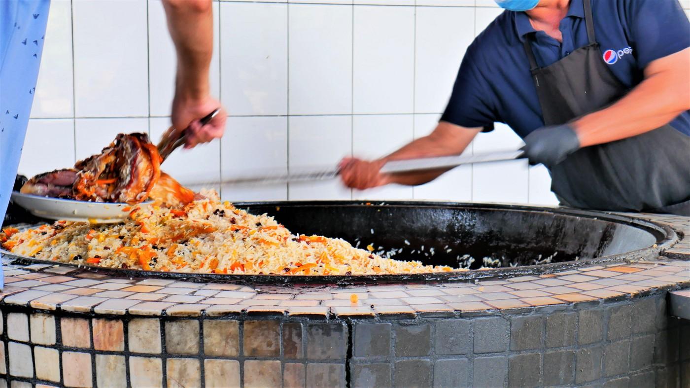 Eat, Pray, Plov vegetarian in uzbekistan food failure difficult trouble travel
