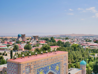 bibi khanym khanum mausoleum mosque samarkand vista registan